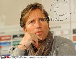 26.09.2012, Hamburg, Vizepraesident <b>Jens Duve</b> Fussball FC St. Pauli,. - t_27247-26092012130012